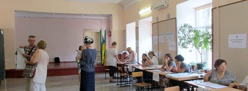Выбирать депутатов пришла почти половина жителей Одесской области