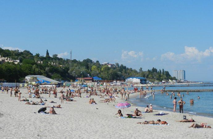 В Одесі на пляжі 13 станції Великого Фонтану не радять купатися
