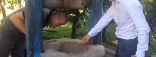 Вдягнув на голову мішок та кинув у колодязь: на Одещині чоловік втопив тещу свого брата