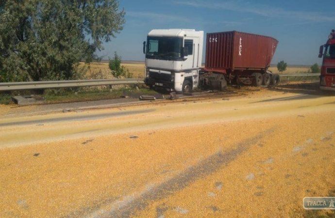 Смертельна ДТП: на трасі Одеса-Київ зіткнулися дві вантажівки