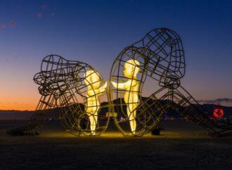 «Любви. Точка. Нет»: в Одессе «погасла» копия знаменитой инсталляции Love