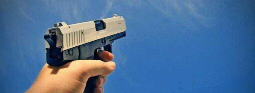 На одесской площади 10-го Апреля угон со стрельбой спровоцировал пробку (видео)
