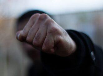Розпилювали сльозогінний газ та обкрадали людей: в Одесі арештували злочинців, які орудували в центрі міста