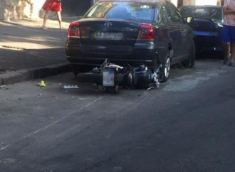 В центре Одессы мотоциклист сбил женщину и сам попал в больницу