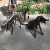 В Одессе пса с лопатой подружили с котом из автозапчастей