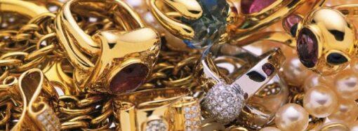 Контрабандистку из-под Одессы посадят на три года за продажу антиквариата