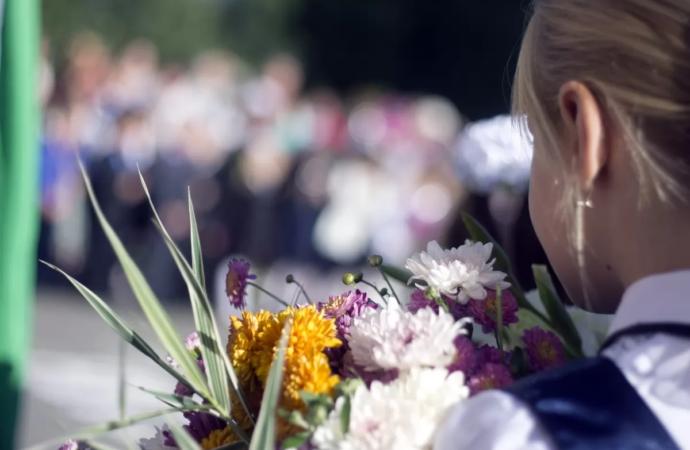 Одесским школьникам предложили альтернативу букетам – сдать средства для онкобольных