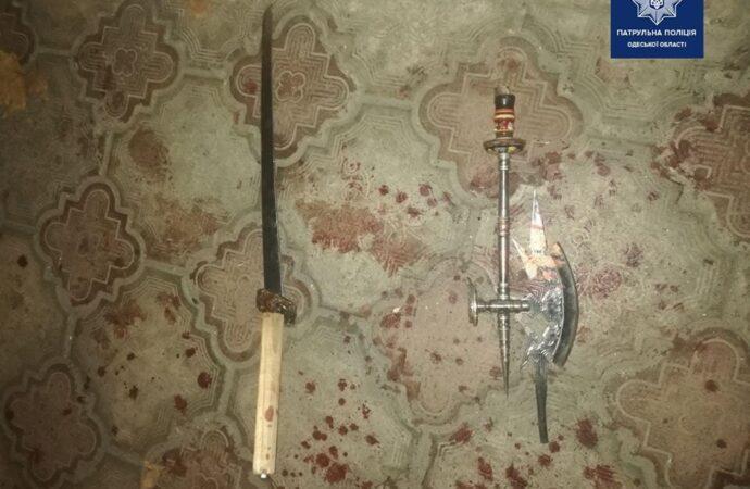 Меч, топор и алкоголь: в Одессе охранник здравницы отбивался от незваных гостей