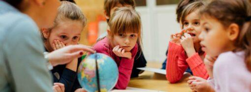 Учеников 30 одесских школ переведут на вторую смену
