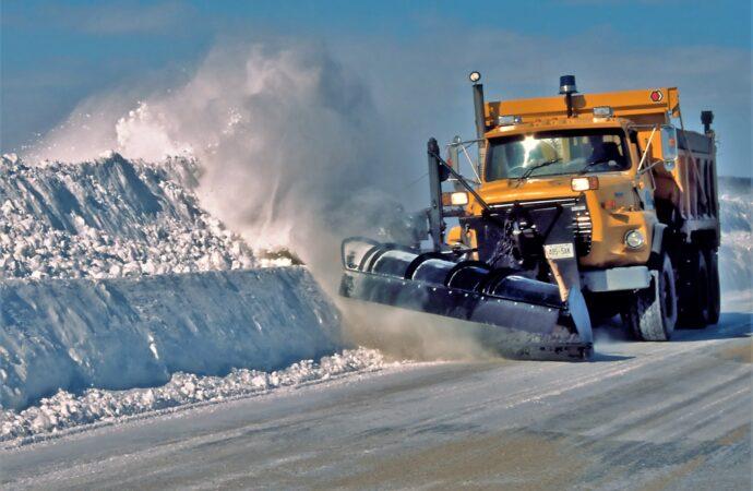 Готуй сани влітку: дорожники Одеської області перевірять справність снігоочисної техніки