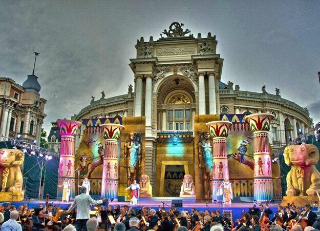 Готовимся праздновать день города, амбиции каякеров и камеры наблюдения: новости Одессы за 25 августа