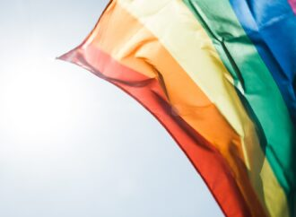 Счастливые люди в счастливом городе. Почему ЛГБТ-сообщество говорит о необходимости расширения своих прав