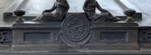 Вандалізм у Одесі: невідомі зруйнували пам'ятник, призначений для людей із вадами зору