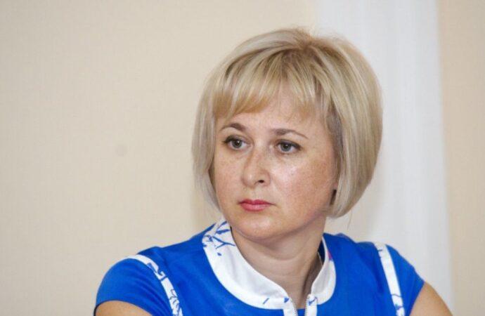 Начальника службы по делам детей Ирину Дамаскину решили уволить в первую очередь