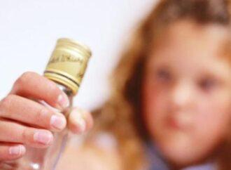 В Одесской области шестилетняя малышка отравилась спиртным