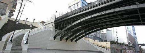 В Одессе из-за минирования закрыли проезд по мосту