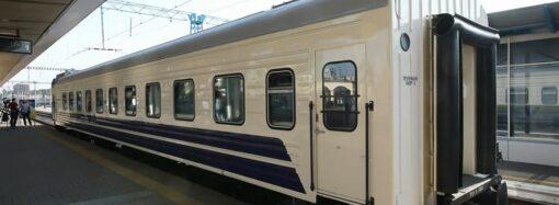 Укрзалізниця: на ремонт плацкартних вагонів доведеться витратити понад 2 мільярди