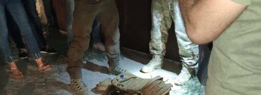 Одесские мансы: в Одессе матрос менял наркотики на нелегальное оружие