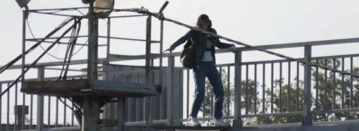 Квест с риском для жизни: как в городе под Одессой выживают во время ремонта моста (видео)