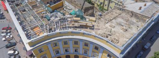 Вопреки запретам: в Одессе возобновилась стройка у Дюка за спиной (видео)