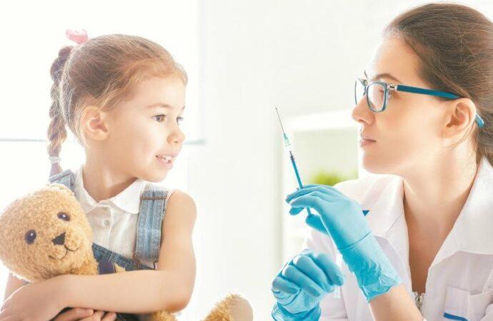 Какие вакцины для прививок завезли в одесские лечебницы