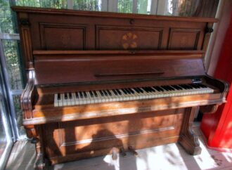 Старинное одесское пианино поселилось в Зеленом театре