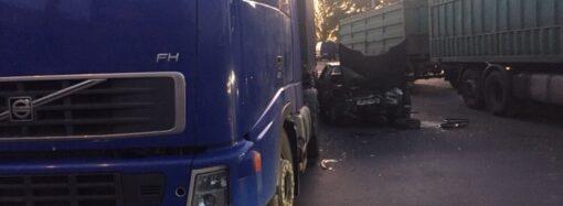 В аварии на одесской Пересыпи пострадало двое (фото)