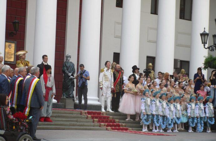 Как в Одессе отметили День города: «исторические» костюмы, рукоделие и танцы (фото)