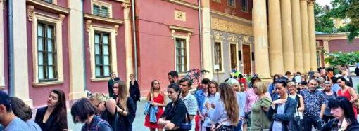 Музей, у которого выстраиваются в очередь: в Одесском худмузее проходит выставка «Без цензуры»