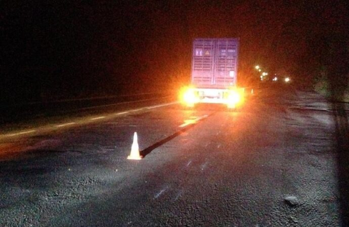 Выбежал на дорогу: под Одессой грузовик задавил пешехода