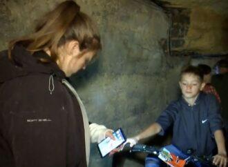 Під Одесою для дітей та підлітків влаштували велоралі у катакомбах