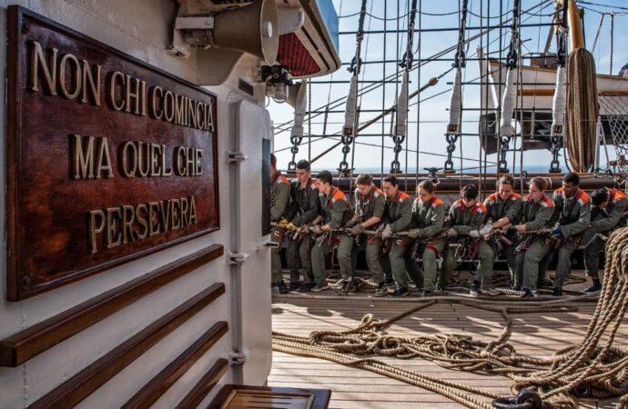 Як одеські курсанти практикувалися на навчальному кораблі військово-морських сил Італії