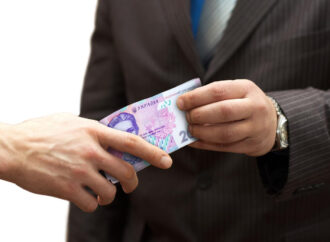 5 років заради 5 тисяч гривень: на Одещині засудили співробітника прокуратури