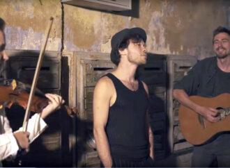 Феликс Шиндер представил одесский вариант известной песни «Папиросы»