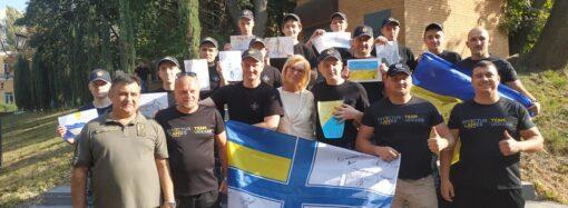 Одесские моряки, освобожденные из плена, уже прилетели домой
