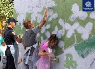 Одесский интернат для детей с нарушениями слуха украсили новым муралом