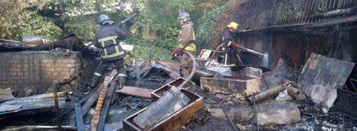 Пожежа на ринку «Черьомушки»: рятувальники розповіли деталі