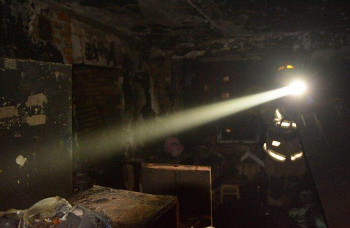 В Одесі рятувальники ліквідували пожежу на 5 поверсі гуртожитку