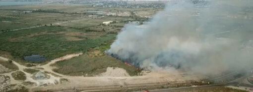Город в дыму: одесситов напугал сильный пожар (фото, видео)