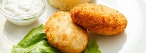 Просто и вкусно: как приготовить куриные котлеты с сыром