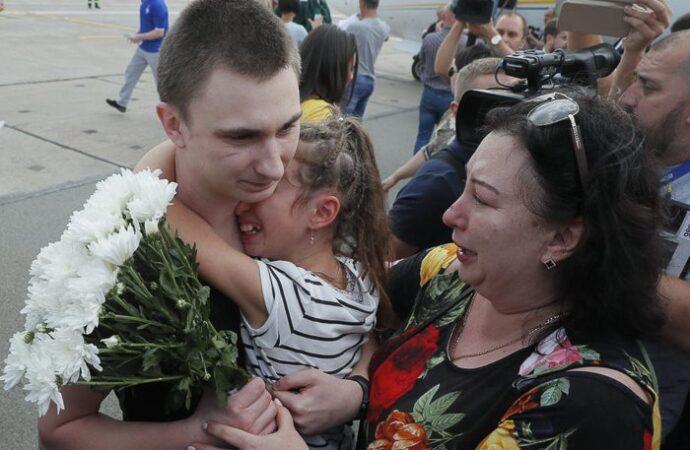 Освобожденный из плена одесский моряк:  если бы я смотрел только российское телевидение, я бы тоже боялся в Украину ехать