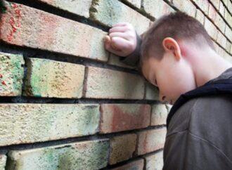 Дитяча жорстокість: на Одещині 12-річні хлопці насмерть закидали камінням безхатченка