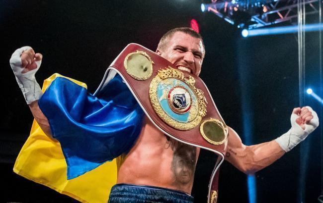 Василий Ломаченко возглавил десятку лучших боксеров мира