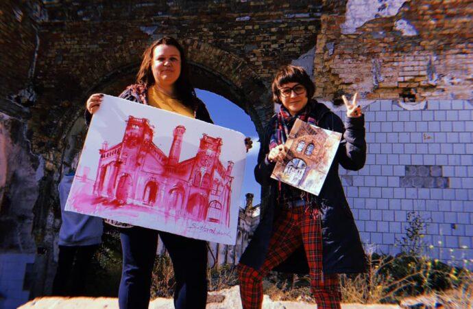 В Одессе живописцы спасают полуразрушенный памятник архитектуры картинами