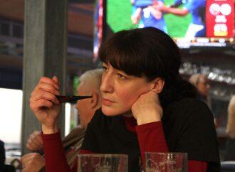 Одесская журналистка попала в десятку фаворитов Кубка мира по курению трубки