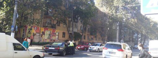 В Приморском районе Одессы из-за аварии образовалась пробка (фото)