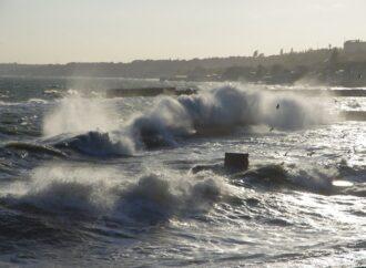 Сильный ветер: для Одессы действует штормовое предупреждение
