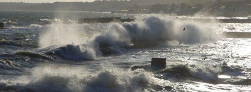 Ветер и волны усложнили работу четырех портов в Одесской области