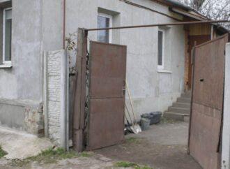 В Одесской области двухлетнего ребенка чуть не убило воротами