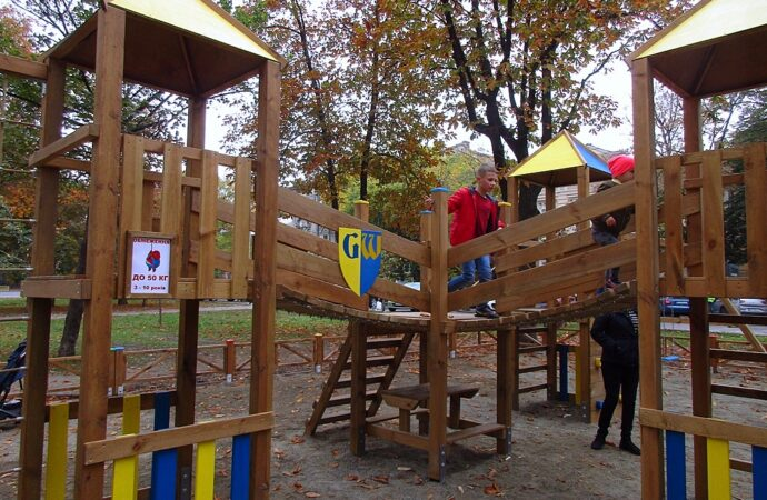 Инклюзивная детская площадка на Соборке: первые наблюдения